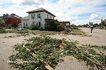 Name: 110822-goderich_damage_0095.jpg    