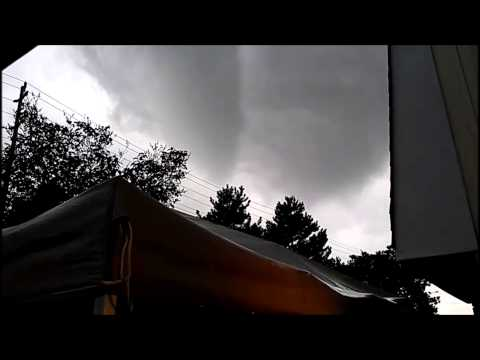 Ottawa, ON funnel cloud/tornado (July 29, 2013)