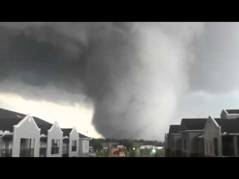 Amazing shot of the 4-27-2011 alabama tornado
